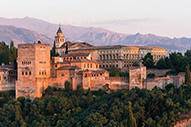 Alhambra de Granada, historia y belleza unidas en un lugar de cuento